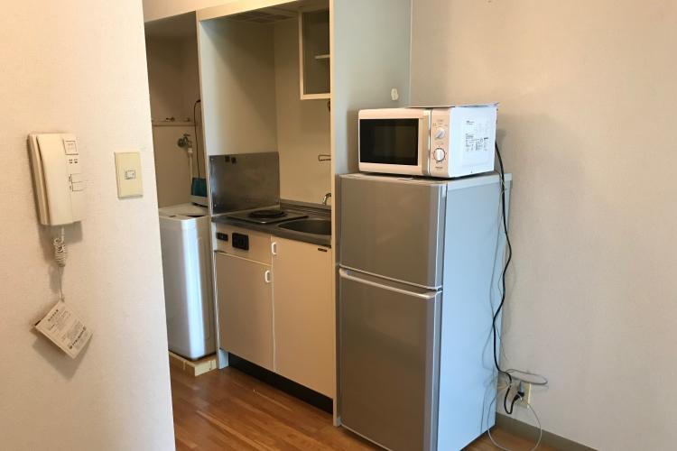 リゾートバイトの寮・冷蔵庫・ナナメドリ